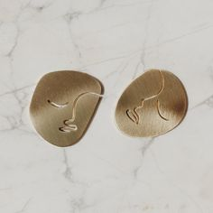 Here's a little pair of earrings that'll be available soon. ✨They're the size of a small coin ✨#waifthings