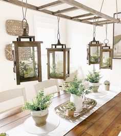 Dining room inspiration, plants – salle a manger decoration Table Design, Dining Room Design, Dining Room Table, Dining Area, Dining Room Centerpiece, Outdoor Dining, Shabby Chic Zimmer, Country Farmhouse Decor, Modern Farmhouse