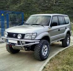 Toyota Land Cruiser 100, Pick Up 4x4, Toyota Lc, Lexus Gx470, Car Repair Service, Jeep Truck, Car Images, Japanese Cars, Offroad