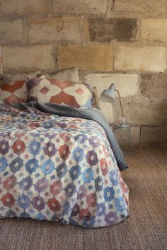 Our colourful quilt cover prints have been inspired by ancient mosaic tiling and native Australian flora. These beautiful digitally printed linen...If only they didn't cost so much!
