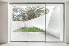 Gallery of House in Caramão da Ajuda / phdd arquitectos - 21