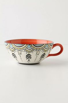 WHY cant i think up designs like this when in All Fired Up or Color Me Mine? Ceramic Cups, Ceramic Pottery, Ceramic Art, Pottery Designs, Mug Designs, Pottery Painting, Ceramic Painting, Crackpot Café, Color Me Mine