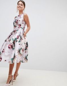 Buy Chi Chi London Midi Dress in Floral Print at ASOS. With free delivery and return options (Ts&Cs apply), online shopping has never been so easy. Get the latest trends with ASOS now. Trendy Dresses, Sexy Dresses, Nice Dresses, Evening Dresses, Formal Dresses, Long Dresses, Shower Outfits, Shower Dresses, Cocktail Bridesmaid Dresses