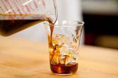 Hoe maak je 'koude koffie', koffie met gezet met koud water? Een recept!