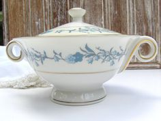 Theodore Haviland Sugar Bowl, Clinton Pattern by TheChinaAlcove, $42.95