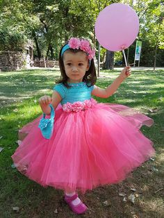 Best how to wear scarves inspiration ideas Baby Girl Birthday Dress, Baby Girl Party Dresses, Dresses Kids Girl, Birthday Dresses, Baby Dress, Kids Outfits, Kids Party Wear Frocks, Kids Frocks, Pink And Blue Dress