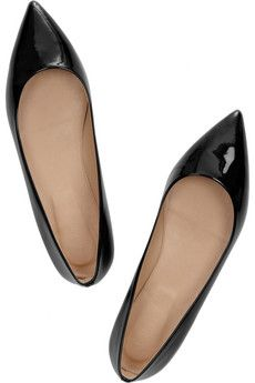 Pointy flats are so much hotter than the round ones. Round ones make me feel like a child!! lol