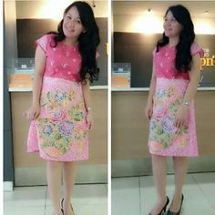Ideas!! Encim Jumputan Batik Fashion, Traditional Fabric, Batik Dress, Hand Written, Kebaya, Chic Dress, Ikat, Sewing Projects, Fabrics