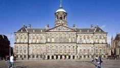 Stadhuis (City Hall) Amsterdam (Holland) nee, dit is het koninklijk paleis op de Dam en vroeger stadhuis.