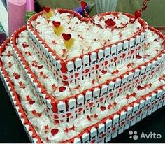 Торт сердце из конфет и шоколадок. Подарок любимой