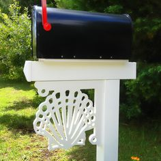Our Scallop Shell corner bracket conjures images of beachside walks and seaside living and will look great on a porch, mailbox or just by itself. All of our corner brackets are made of a premium all w