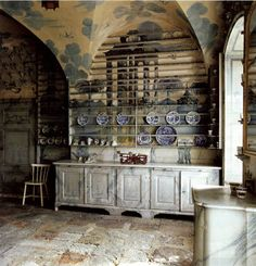 Plate rack in the Porcelain kitchen at Thureholm Castle in Trosa, Sweden, part of a residence completed in 1747 - Miniature room idea, Plate Racks In Kitchen, Diy Plate Rack, Plate Rack Wall, Swedish Kitchen, Patterned Furniture, Chinese Theme, Large Furniture, Dream Decor, Upholstered Chairs