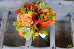 Bouquet para novia con colores ácidos, pistacho, naranja y amarillo. Mayula Flores