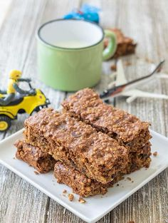 Soft, gluten-free chewy granola bar for picky kids. Made with everything that kids love and still keeping the granola bar healthy and allergy-friendly