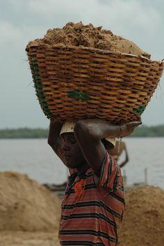 Build sand castles . Nigeria