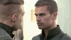 Shailene Woodley and author Veronica Roth headline a Divergent featurette that takes viewers behind-the-scenes. The Divergent featurette. Divergent Film, Be Brave Divergent, Divergent Theo James, Divergent Funny, Divergent Insurgent Allegiant, Tobias, Divergent Fandom, Insurgent Quotes, Divergent Quotes