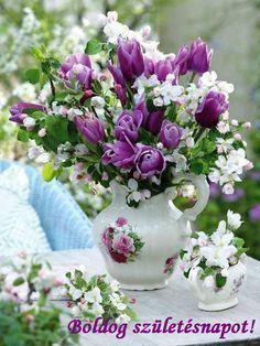 Exotic Flowers, Beautiful Flowers, Good Morning Happy Friday, Happy Brithday, Purple Wedding Bouquets, Happy Birthday Greetings, Ikebana, Birthday Decorations, Flower Designs