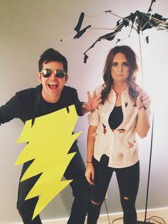 Easy Halloween Costume - DIY Costume - Couples costume - Struck by lightning couples costume #halloweencostume