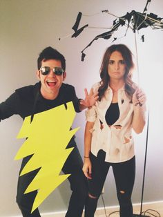 Easy Halloween Costume - DIY Costume - Couples costume - Struck by lightning couples costume #halloweencostume