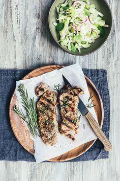 Marineret grillbøf med salat