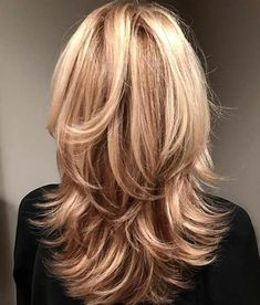 Medium Shag Haircuts In 2020 Medium Shag Haircuts In 2020 30 Stylish Medium Shags You Ll Want to Try Immediately Medium Hair Cuts, Long Hair Cuts, Medium Hair Styles, Short Hair Styles, Hairstyles For Medium Length Hair With Layers, Medium Curly, Short Wavy, Short Blonde, Long Bob