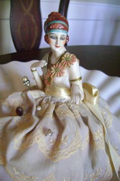 Superb-Lg-Art-Deco-Fasold-Stauch-Flapper-Pin-Cushion-Half-Doll-Arms-Away-Book-Pc