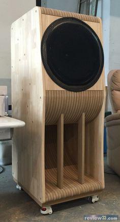 """review33.com:影音天地:15"""" Full Range speaker with Maze wooden cabinet"""
