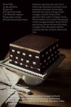 masam manis: KEK black and white
