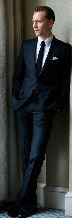 Tom Hiddleston photographed by Takako COCO Kanai in Japan for cinematoday. Via Torrilla (http://m.weibo.cn/status/4091505709046151#&gid=1&pid=9) Full size image: http://wx1.sinaimg.cn/large/6e14d388gy1fe6gambe1yj211q1kwh0j.jpg