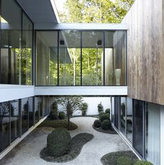 Completed in 2015 in East Hampton, United States. Images by Joshua McHugh      . One year after purchasing Old Orchard, a 10,000 square foot modern spec house, the homeowners brought on Blaze Makoid Architecture to give the...