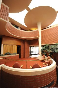Why Frank Lloyd Wright piled 60 tons on a lily pad (pictures)