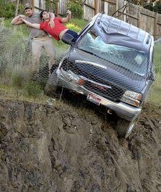 DIESER HELD BEFREIT EINEN AUTOFAHRER – UND VERSCHWINDET! Rettung in letzter Sekunde