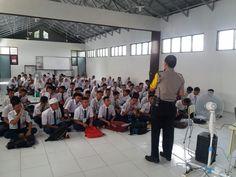 Atasi Kenakalan Remaja Bhabinkamtibmas Polsek Pondok Gede Berikan Penyuluhan di SMKN 14 Bekasi