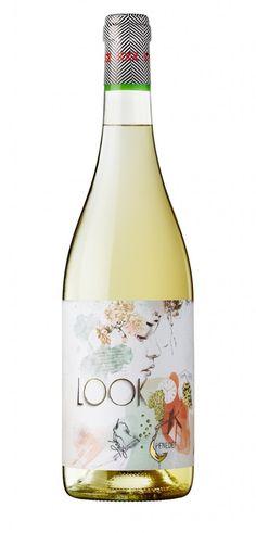 Look Cabernet Sauvignon, Sauvignon Blanc, Wine Bottle Design, Wine Label Design, Malbec Argentina, Etiquette Champagne, Booze Drink, Wine Gift Baskets, Organic Wine