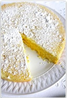 TORTA CAPRESE AL LIMONE (ITALIAN LEMON CAKE) This is a really easy lemon cake, with no glazes and no whipping or folding. I wanted a cake that wasn't overly sweet, so I didn't do a lemon glaze and I added a little almond flour because I like the taste. Lemon Desserts, Lemon Recipes, Just Desserts, Delicious Desserts, Cake Recipes, Dessert Recipes, Easy Italian Desserts, Dishes Recipes, Food Cakes