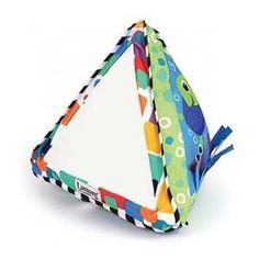 Leuke eerste spiegel, speciaal geschikt voor baby's vanaf 0 maanden. Deze ontdekkingspyramide zit naast de spiegel vol met leuke andere elementen en is ideaal om op de buik of zittend mee te spelen. Grote spiegel voor zelfontdekking. Op www.shopwiki.nl #kinderkamer