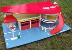 Toy Garage, Gas Station, Garages, Cotton Candy, Vintage Toys, Hot, Rolling Carts, Parking Lot, Toys