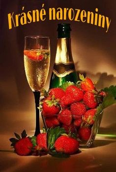 champagne and strawberry Best New Year Wishes, Happy New Year, Candle Scent Oil, Strawberry Champagne, Strawberry Wine, Scented Oils, Romantic Dinners, Scented Candles, Red Wine