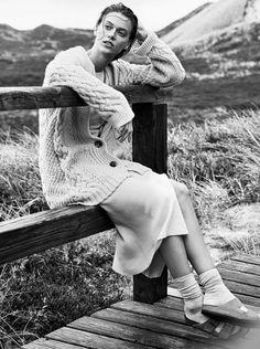 Elle Germany September 2017 Model: Tess Hellfeuer Photographer: Mikael Schulz Fashion Editor: Kathrin Seidel Beauty Artist: Anna Neugebauer