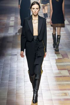 Lanvin - Fall 2015 Ready-to-Wear - Look 41 of 53?url=http://www.style.com/slideshows/fashion-shows/fall-2015-ready-to-wear/lanvin/collection/41