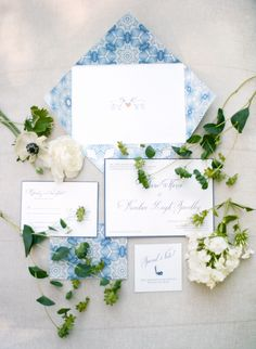 Classic Blue and White Wedding Invitations | stationary by www.alissabellpress.com #wedding #paper #goods #invites
