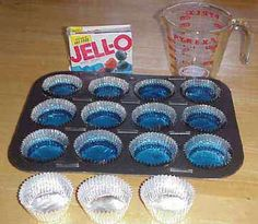 Jello Cupcakes with Whipped Cream on top? Fun, Quick and Inexpensive Idea! Do you end up picking canned foods or dry meals? What brand name? Preschool Food, Preschool Ideas, Preschool Education, Ocean Theme Snacks, Animal Snacks, Blue Jello, Swedish Fish, Comfort Food, Rice Krispies
