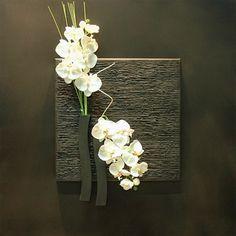 16 Ideas for wall hanging flower arrangements home Deco Floral, Arte Floral, Floral Design, Hanging Flower Arrangements, Floral Arrangements, Flower Wall Decor, Flower Decorations, Hobbies And Crafts, Diy And Crafts