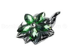Silver plated cornucopia horn of plenty with a green crystal flower encrusted with rhinestones. This is a very pretty and elegant item that is typically used as a bomboniere as a sign of good luck. #italian #wedding #favour #favor http://www.bombonierashop.com/en/department/4/Wedding-Favours.html