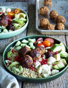 One pot wonder - lettvint gryterett - Mat På Bordet Hummus, Pesto, Cobb Salad, Potato Salad, Food To Make, Nom Nom, Food And Drink, Vegan, Ethnic Recipes