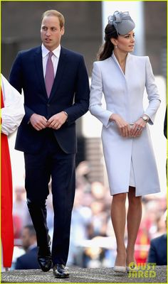 kate middleton definitely wins easter sunday best dressed 02 Catherine, Duchess of Cambridge (aka Kate Middleton) wows us all while arriving at St. Andrew's Cathedral for Easter Sunday Service on Sunday (April 20) in Sydney,…