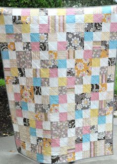 Daisy Cottage Patchwork - love the cross hatch quilting