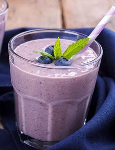Chia Seeds For Weight Loss – Diet Plan And Recipes - Drinks/Smoothies - Nutrition Weight Loss Meals, Weight Loss Diet Plan, Weight Loss Drinks, Weight Loss Smoothies, Lose Weight, Healthy Detox, Healthy Drinks, Healthy Snacks, Healthy Eating