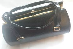 Vintage black handbag classic top handle by Prettyvintagehouse