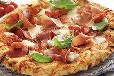 A cena menù pizza con antipasto bruschette e frittelle, patatine fritte, birra o bibita...a soli 18 € a coppia